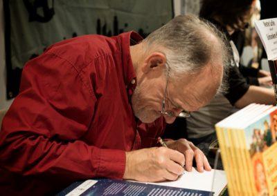 Ingo Milton signerer